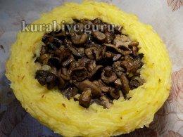 Картофельная запеканка с лесными грибами в духовке