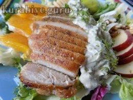 Салат с курицей и яблоками