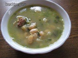 Бараньи ребрышки с фасолью и зеленью по-ирански