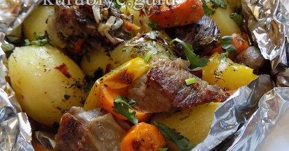 Говядина с овощами, запечённая в фольге