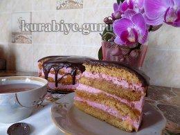 Торт вишнёво-яблочный Мармеладный заяц