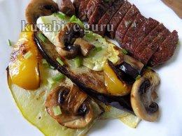 Запечённые овощи с грибами в духовке