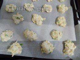 Сырное печенье с зелёным луком