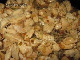 Чесночный рис с курицей