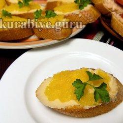 Бутерброды  с креветочным маслом и икрой мойвы